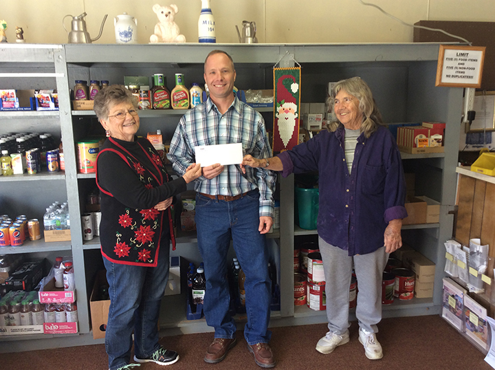 Farmers Grain Helps Fund Caldwell Food Bank